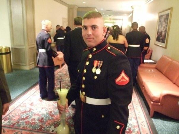 Kevin era marinheiro e serviu aos Estados Unidos no Afeganistão duas vezes (Foto: Reprodução/GoFundMe)