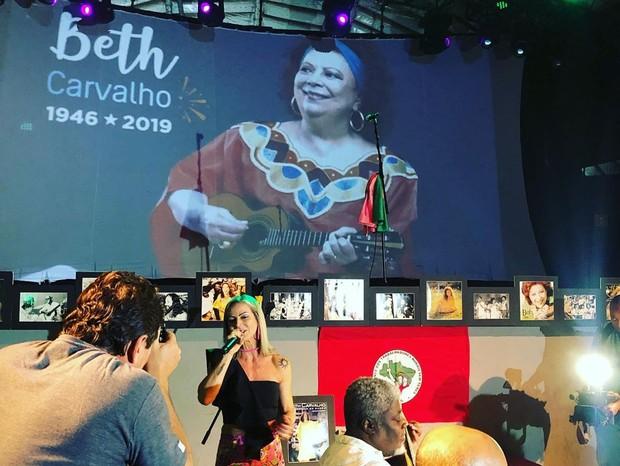 Luana Carvalha canta em samba de sétimo dia da tia Beth Carvalho (Foto: Reprodução/Instagram )