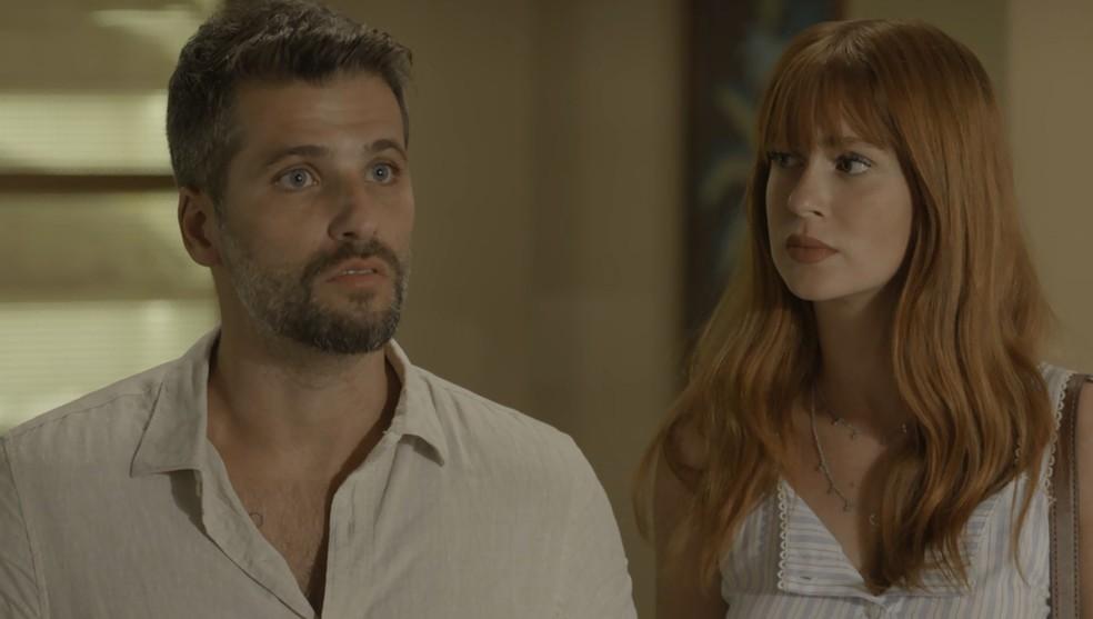 Gabriel (Bruno Gagliasso) diz a Valentina (Lilia Cabral) que vai fazer teste de DNA para herdar bens de Egídio (Antonio Calloni), na novela 'O Sétimo Guardião' — Foto: TV Globo