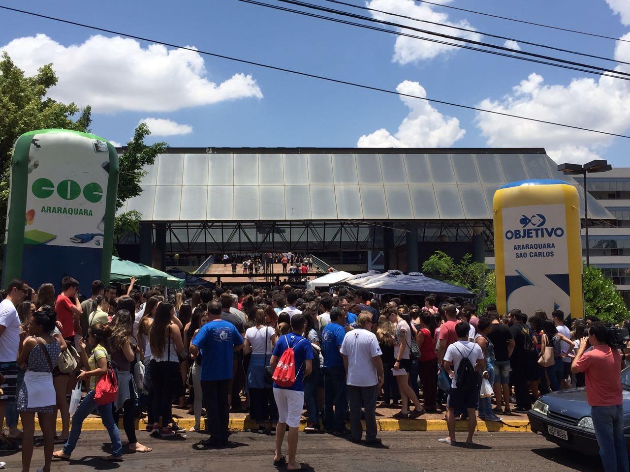 Estudantes de Araraquara reclamam da mudança da prova da Unesp para Ribeirão Preto devido à Covid-19