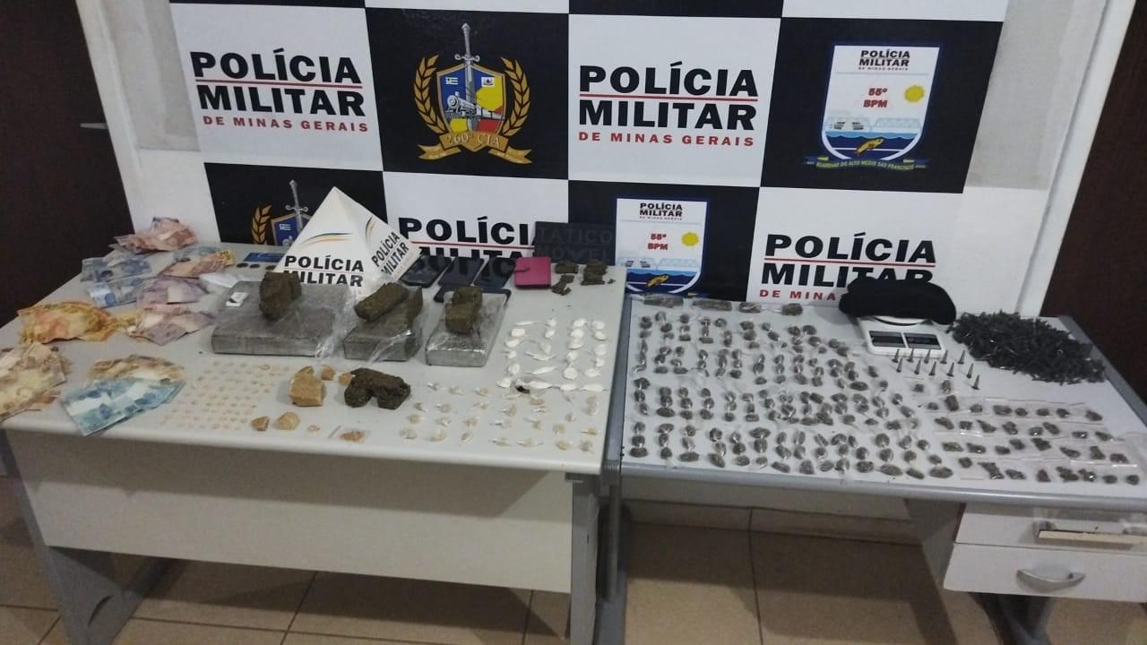 Operação da PM desarticula quadrilha que atuava no tráfico de drogas; seis pessoas foram presas