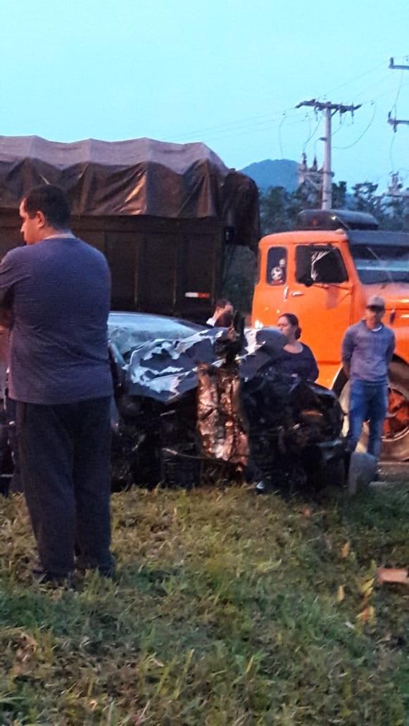 Acidente entre carro e caminhão na BR-277, em Morretes, deixa uma pessoa morta - Notícias - Plantão Diário