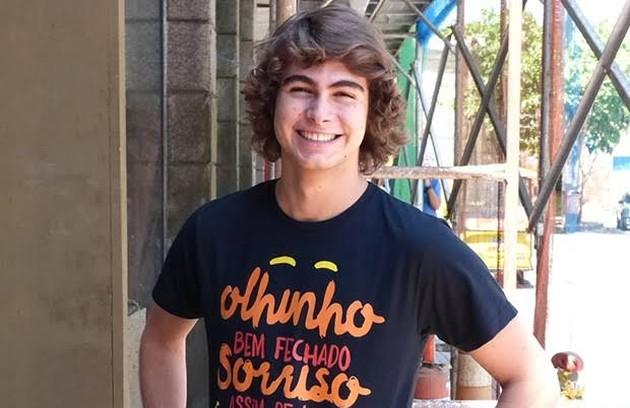 Pedro, rapaz que queria ser guitarrista, foi pago por Bianca para seduzir Karina e fazê-la esquecer Duca, mas acabou se apaixonando (Foto: Reprodução)