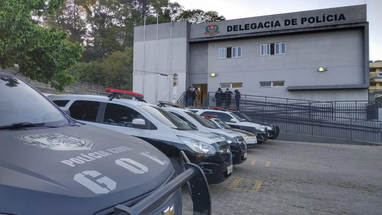 Polícia Civil faz operação contra tráfico de drogas em Piedade