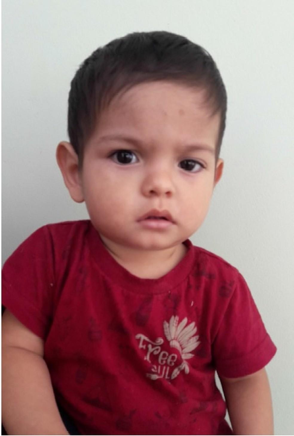 Segundo a polícia, desde o dia 10, quando o menino foi encontrado, ninguém o procurou (Foto: Divulgação/Vara da Infância e Juventude)