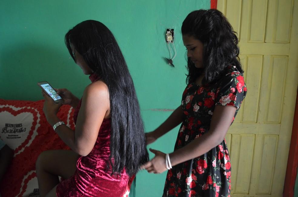 Diarista destaca que se preocupa com o futuro dos filhos (Foto: Jorge Abreu/G1)