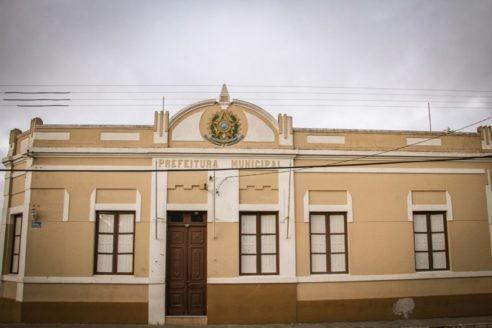 Prefeitura de Pinheiro Machado abre  concursos públicos com 98 vagas em saúde e educação