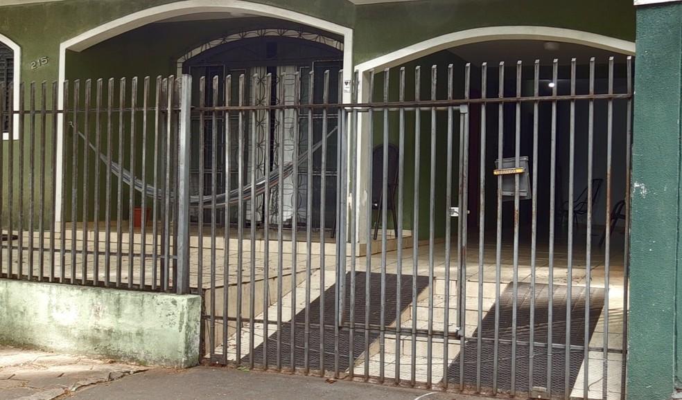 Residência onde ataque aconteceu fica na Zona 7, em Maringá — Foto: Honório Silva/RPC