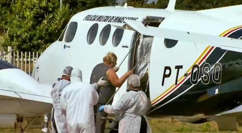 Pacientes com Covid-19 são transferidos de Passos para outras cidades — Foto: Reprodução EPTV