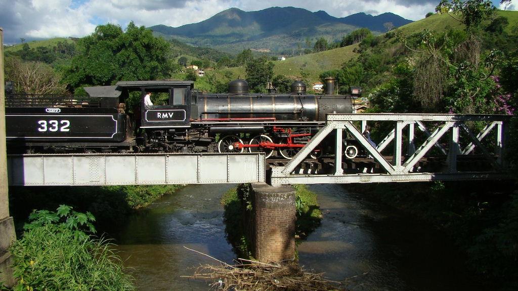 Revitalização de linha férrea cria expectativa por aumento de trens turísticos no Sul de Minas