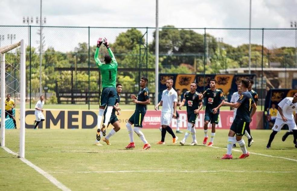 Retrô x seleção brasileira sub-18 — Foto: Reprodução / Instagram