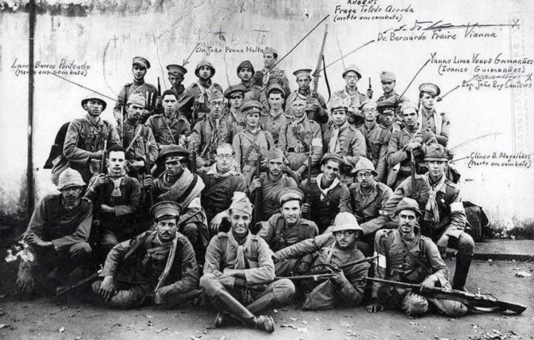 Batalhão paulista durante a revolução de 1932 (Foto: Wikimedia Commons)