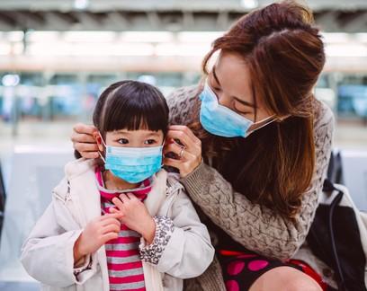 Crianças são menos suscetíveis à covid-19, porém podem ser mais propensas a infectar outras pessoas, aponta estudo