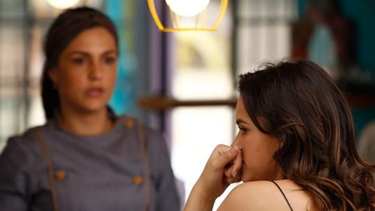 Mari admite preocupação com relação de Danda e Dom Peppino