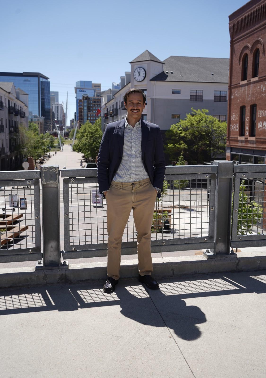 O brasileiro Guilherme Moreira, engenheiro ambiental e sanitário formado pela Universidade Federal de Juiz de Fora (UFJF), é sócio-gerente do projeto Marvella Farms (Foto: Divulgação)