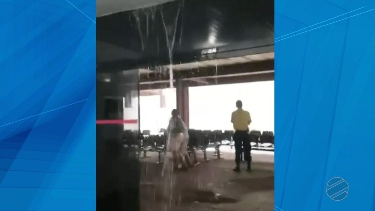 Temporal causa alagamento em hospital e ruas da região metropolitana de Cuiabá