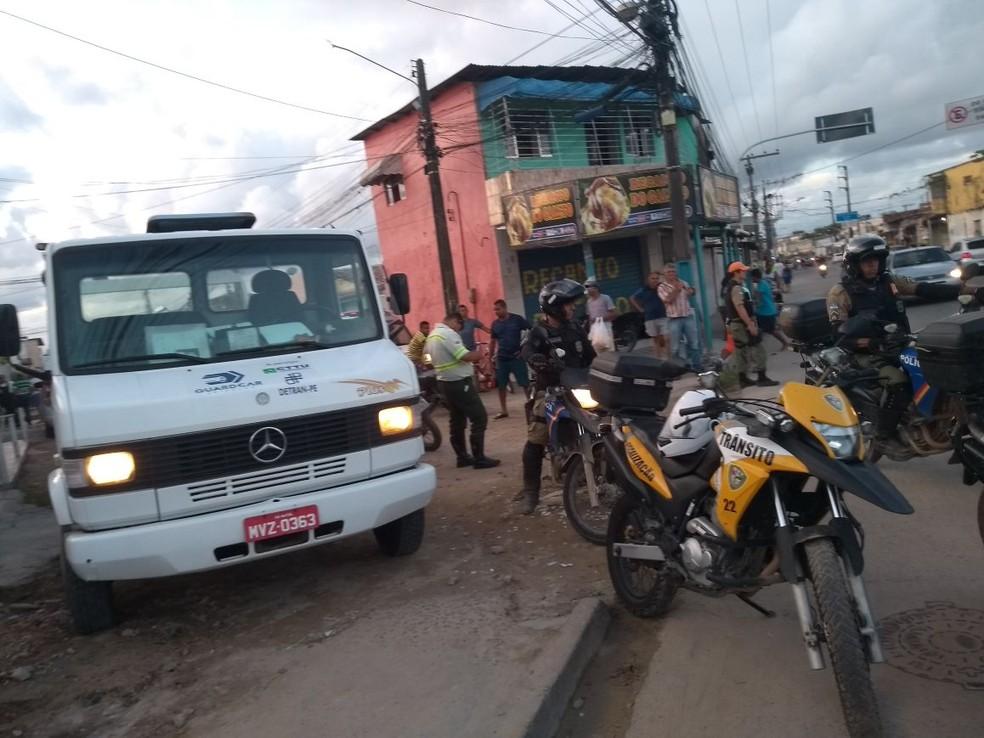 PMs e guardas municipais participaram de ações para combater crimes praticados por motociclistas no Grande Recife (Foto: Prefeitura de Olinda/Divulgação)