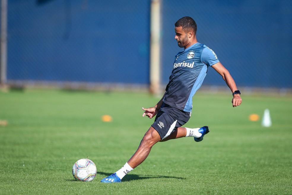 Alisson atacante Grêmio — Foto: Lucas Uebel/Grêmio FBPA