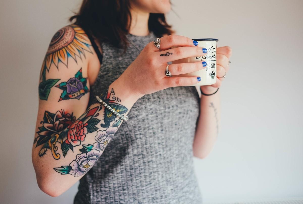 O que é o macrófago, célula que mantém as tatuagens na pele e pode um dia ajudar a apagá-las