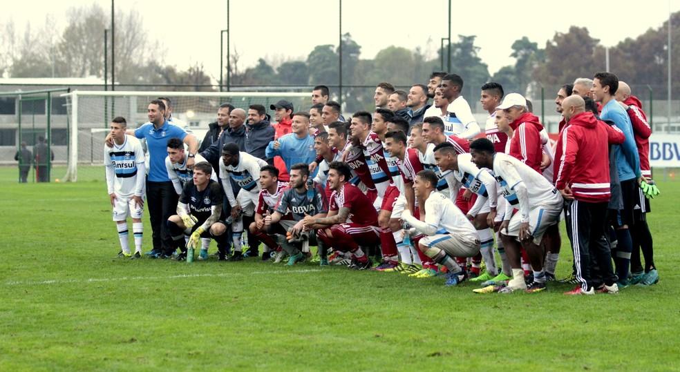 Time sub-19 do Grêmio em excursão recente à Argentina — Foto: Rodrigo Fatturi / Grêmio F.B.P.A.
