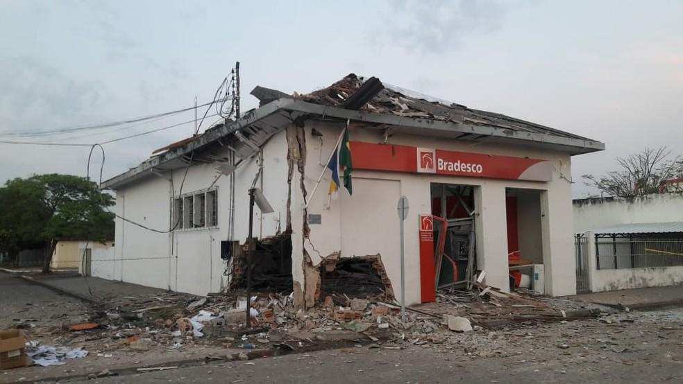 Agência bancária de Guaraí é explodida por criminosos — Foto: Divulgação