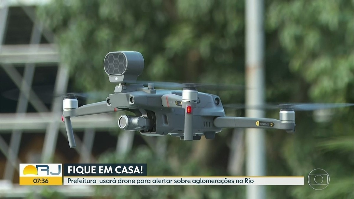 'Drone falante' começa a ser usado no Rio para 'espantar' aglomerações