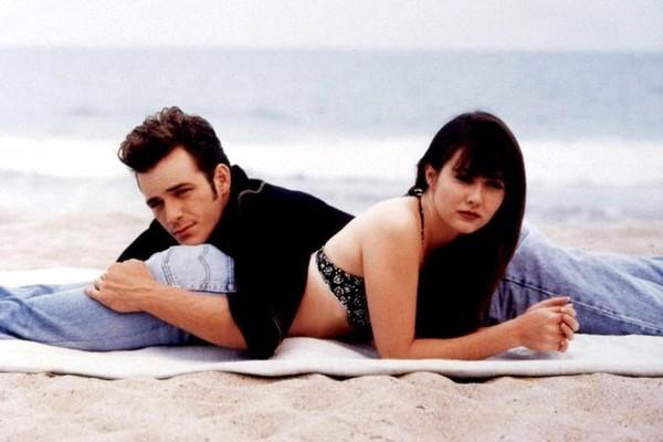 Shannen Doherty e Luke Perry nos tempos de Barrados Baile (1990-2000) (Foto: Divulgação)