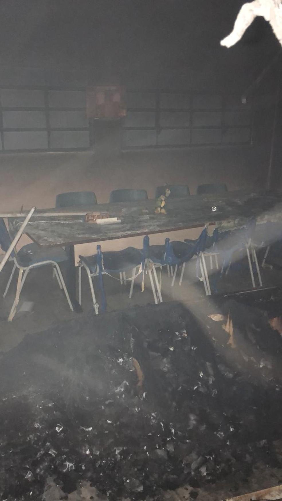 Incêndio destruiu sala de aula em escola de São Gonçalo do Amarante, na Grande Natal — Foto: Cedida