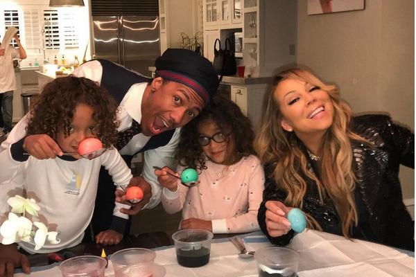 Mariah Carey, Nick Cannon e os gêmeos de cinco anos (Foto:  Instagram)