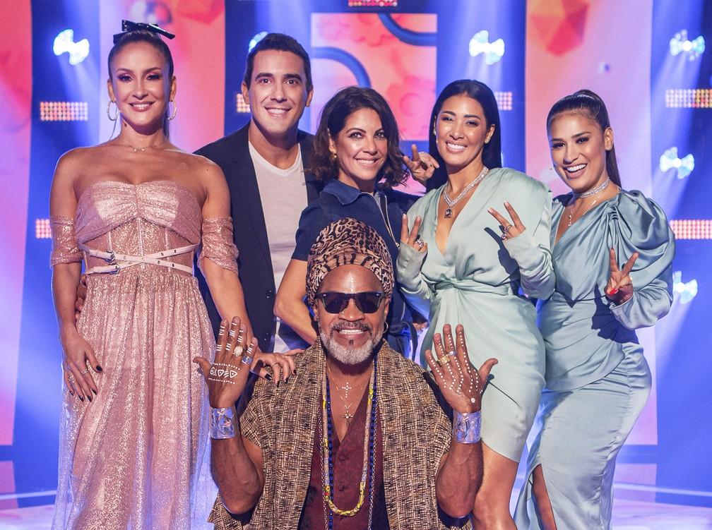 Apresentadores e técnicos do 'The Voice Kids'  — Foto: Globo/Victor Pollak