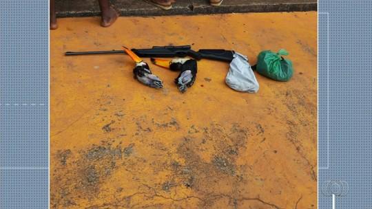 Três homens são detidos após matarem tucanos para comer, em Águas Lindas de Goiás