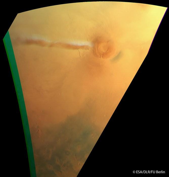 Uma espécie de nuvem branca é flagrada rondando Marte  (Foto: European Space Agency (ESA))