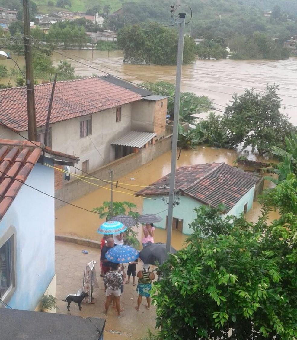 Cerca de 152 pessoas estão desalojadas (Foto: Defesa Civil/Divulgação)