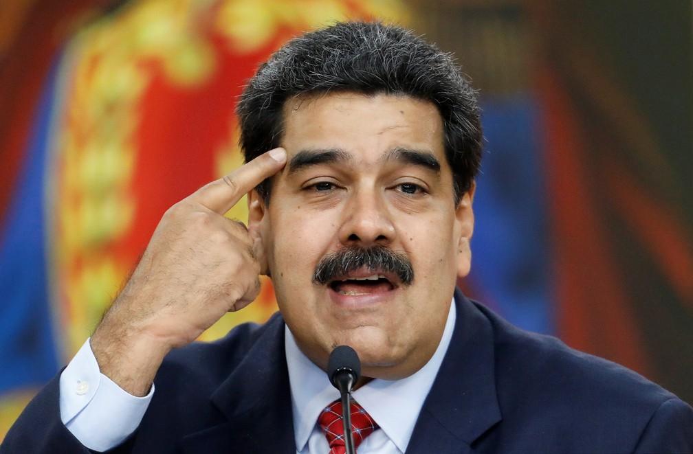 Nicolás Maduro fala à imprensa em meio a impasse sobre a Presidência da Venezuela — Foto: Manaure Quintero/Reuters