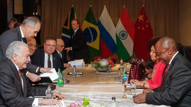 Temer teve encontro bilateral com o presidente da África do Sul, Cyril Ramaphosa, mas não com outros líderes, como Vladimir Putin, da Rússia: menos 'poder convocatório' (Foto: ROGÉRIO MELO/PR)