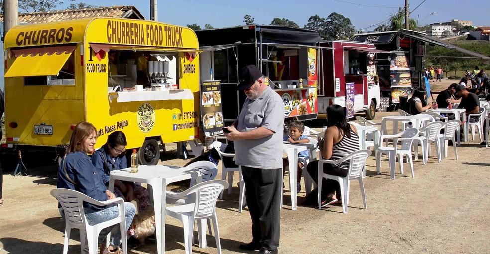 Encontro Gastronômico de Food Trucks; pequenos negócios e autônomos devem puxar retomada do mercado de trabalho (Foto: Osvaldo Birke/Prefeitura de Itaquaquecetuba)