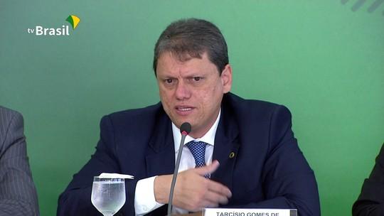 Ministro da Infraestrutura diz que principal desafio é definir um piso para o frete