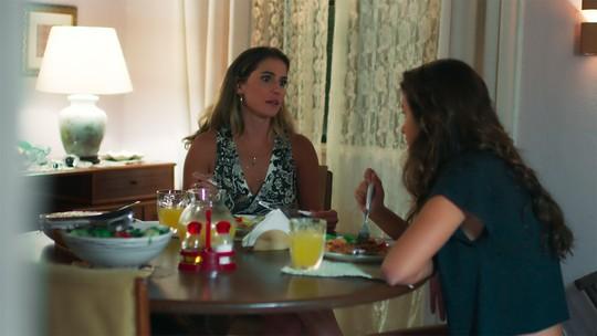 Tânia pede para Luíza se desculpar com Martinha
