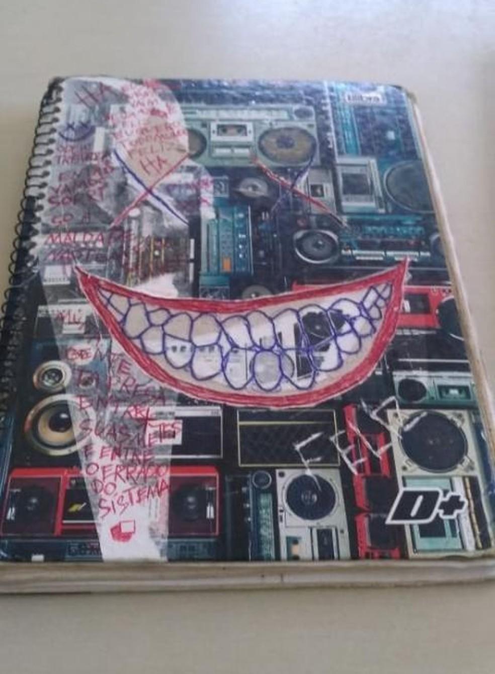 Caderno foi encontrado pela polícia — Foto: Reprodução/Redes sociais