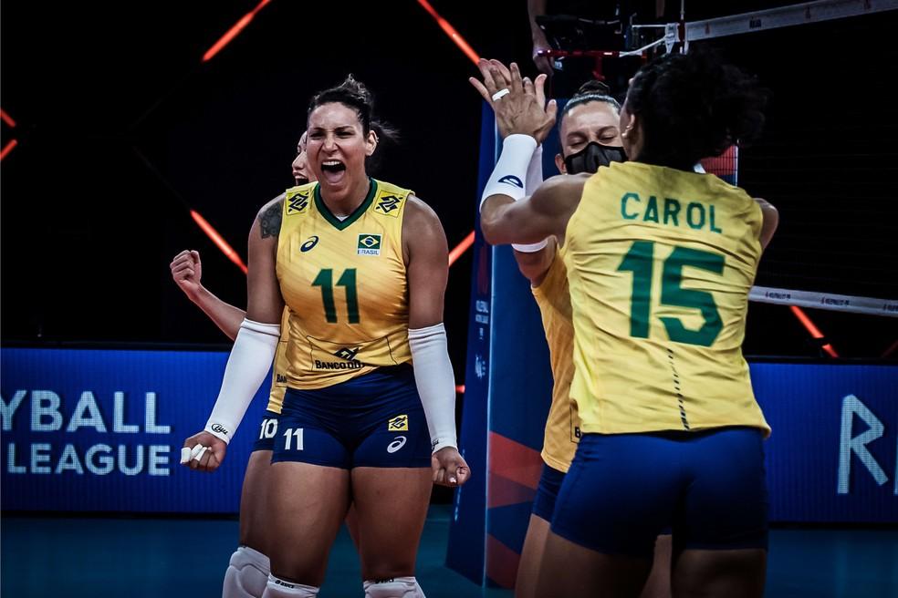 Seleção feminina de vôlei bate a Itália — Foto: Fivb / Divulgação