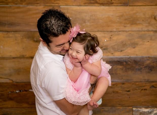 Mariana Yamasaki, com o pai Reinaldo (Foto: Equipe Lidi Lopez)