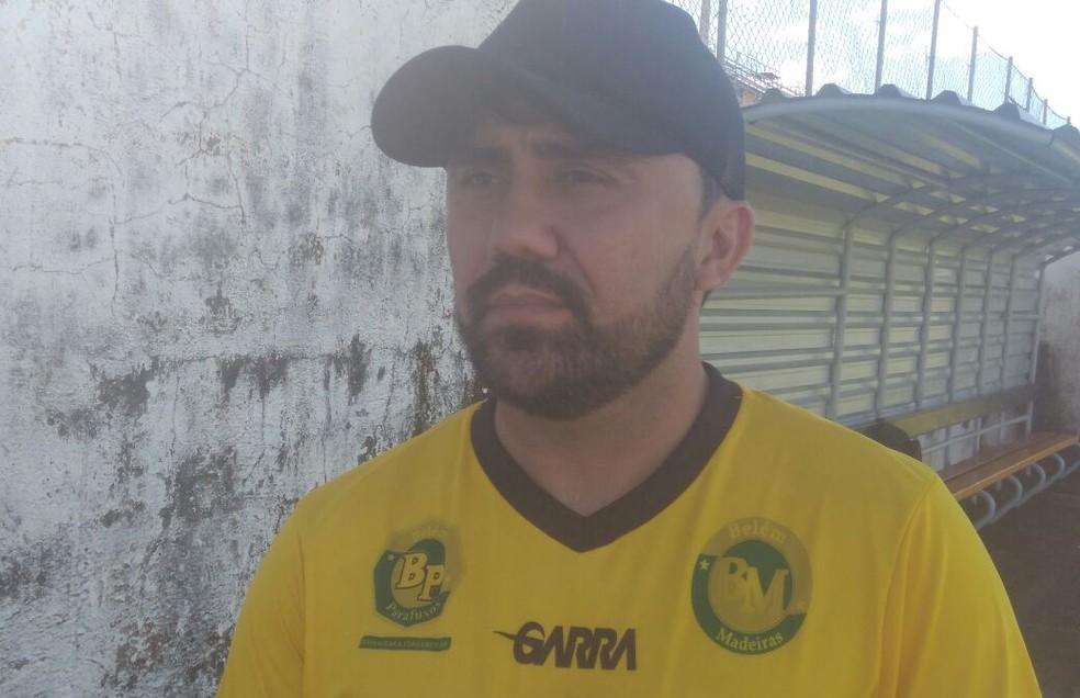 Luizinho Lopes confia no retrospecto em casa do Globo FC (Foto: Hugo Monte/GloboEsporte.com)