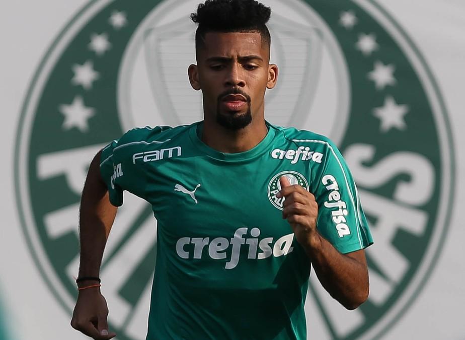 Palmeiras acerta venda de Matheus Fernandes para o Barcelona