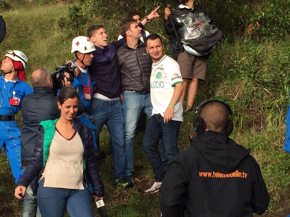 Follmann no local do acidente (Foto: Cahê Mota)