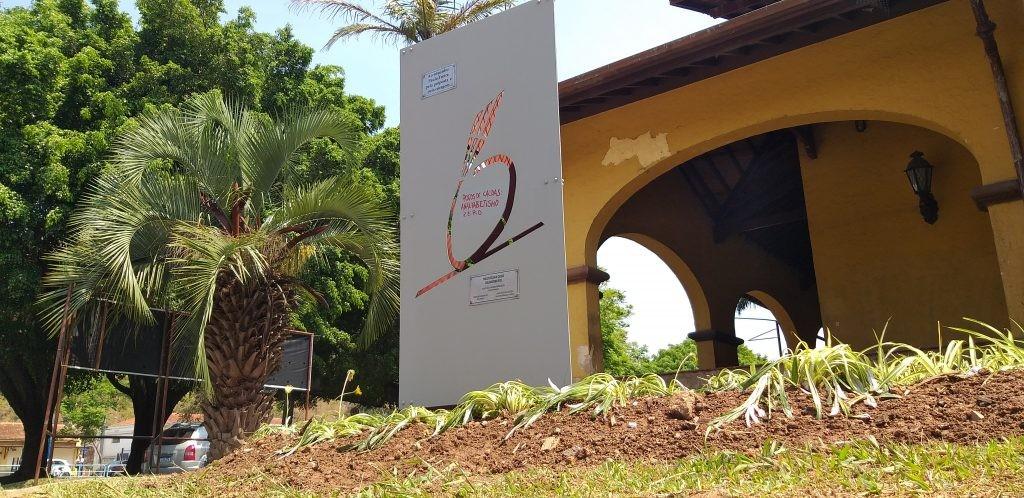 Centenário de Paulo Freire: Poços de Caldas revitaliza monumento em homenagem ao educador