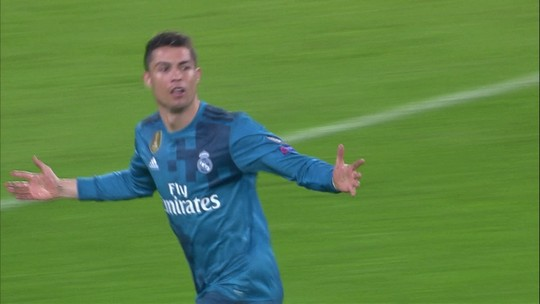 """Alex Sandro dá méritos ao Real e resume a volta: """"Vamos atrás da partida perfeita"""""""