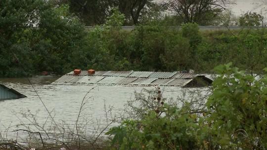Região mais afetada pela chuva no RS, Fronteira Oeste tem mais de 8 mil moradores fora de casa