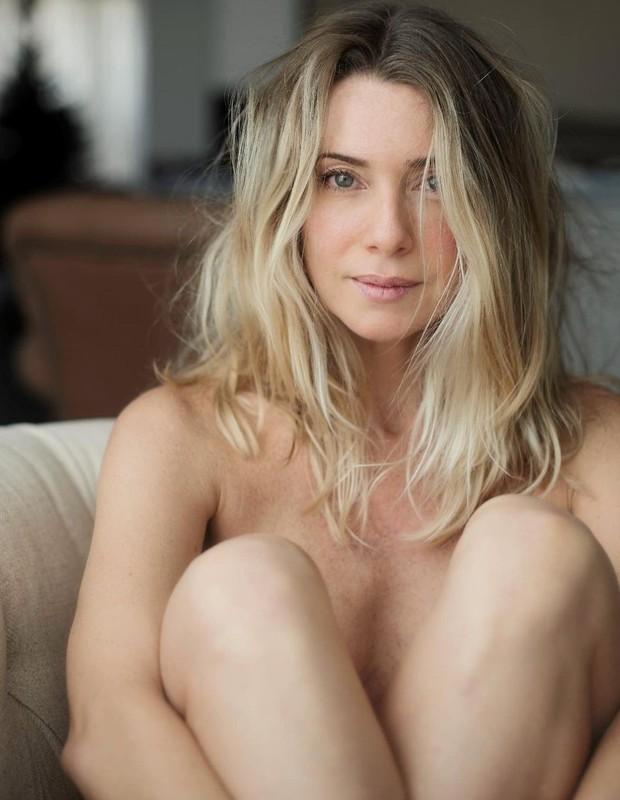 Letícia Spiller compartilha fotos de ensaio nu (Foto: Reprodução/Instagram)
