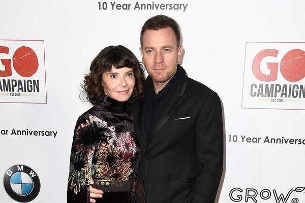 Eve Mavrakis e Ewan McGregor enquanto casal (Foto: getty)