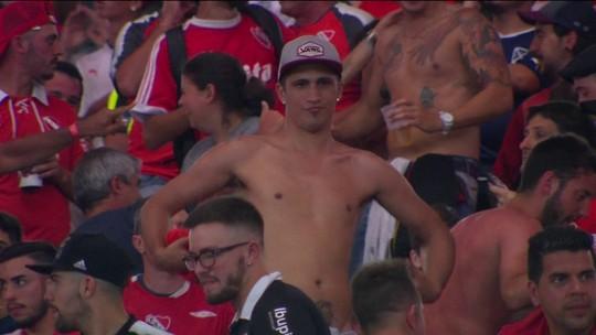 Argentino imita macaco na direção de torcedores do Flamengo no Maracanã